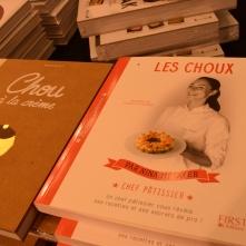 """Si vous désirez créer chez vous les desserts des finalistes de """"Qui sera le prochain grand pâtissier ?"""", vous pourrez vous inspirer du livre de Nina Métayer, sur Les Choux."""