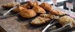 Viennoiseries, pain au chocolat, croissants, croissants aux amandes